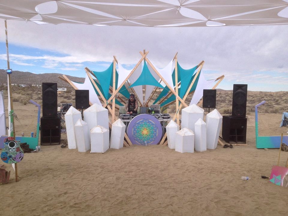 DJ-crystals